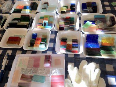 チョークアートとステンドグラスのイベント@ささやカフェ ビションフリーゼ おもち  6FBDE749-99A1-4F72-B341-D6A2A1765F12-380x285